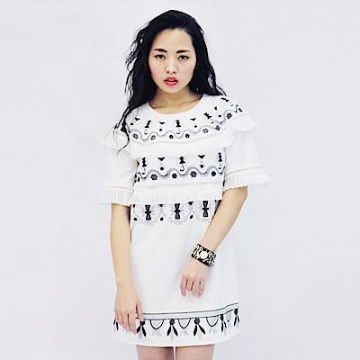 JESSICA RED - 幾何圖騰刺繡設計洋裝(白)