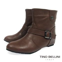 Tino Bellini 簡約經典釦帶內增高短靴_咖