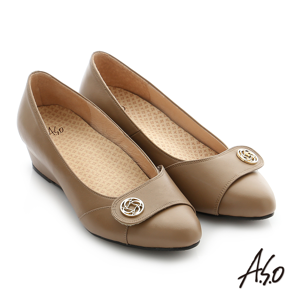 A.S.O 拇指外翻 真皮飾釦奈米楔型跟鞋 卡其色