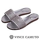 Vince Camuto 幾何簍空寬版一字拖鞋-銀色