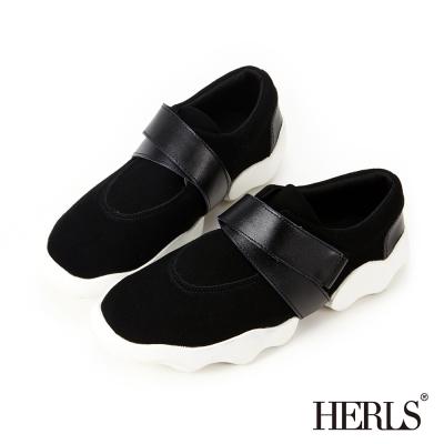 HERLS-街頭時尚 真皮交叉面帶造型休閒鞋-黑色