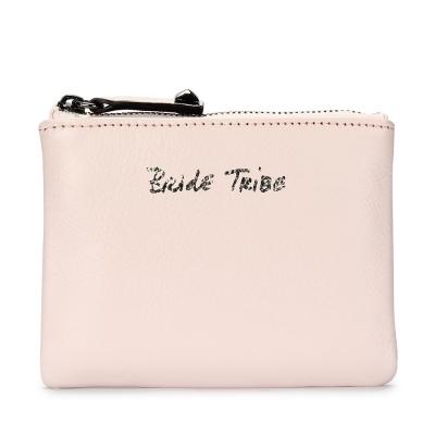 Rebecca Minkoff BETTY 草寫字樣皮革鎖圈拉鍊零錢包-粉膚色