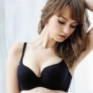 思薇爾 無痕美人系列壓模素面A-D罩內衣(黑色)