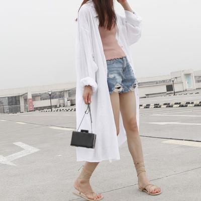 La Belleza白色細直條排釦口袋超長版長袖襯衫外套