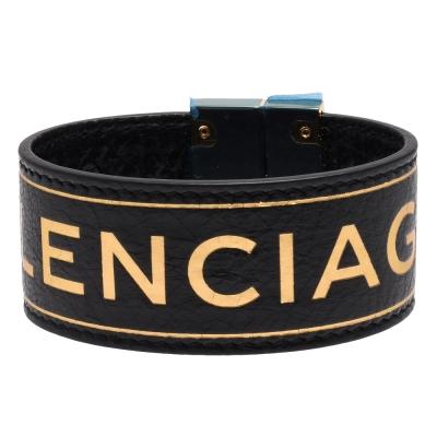 BALENCIAGA 品牌字母浮雕羊皮寬版手環(M-黑X金)