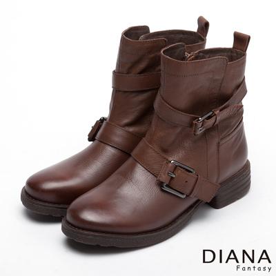 DIANA-低調戰士-經典中性皮帶真皮短靴-咖
