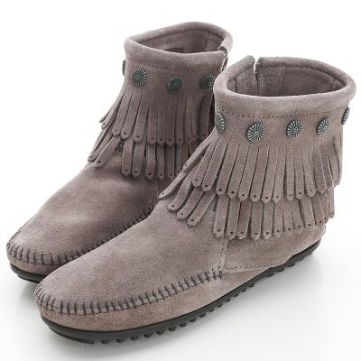 MINNETONKA 灰色純手工鉚釘二層流蘇短靴 (展示品)