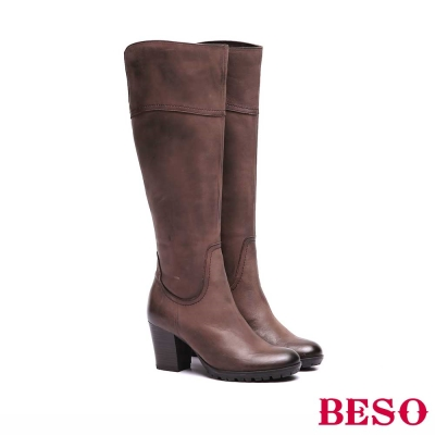 BESO-個性女孩-雙色感全牛皮素面長靴-咖啡