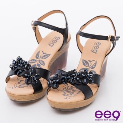 ee9都會優雅~鑽飾花朵耀眼透明造型防水台楔型涼鞋~黑色