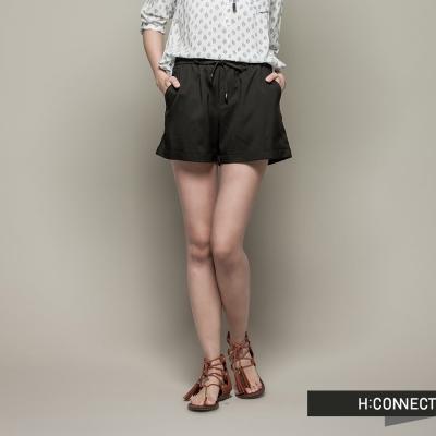 H:CONNECT 韓國品牌 女裝 - 純色翹臀牛仔短褲 - 黑(快)