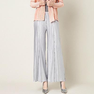 百搭氣質銀白色壓摺寬鬆休閒褲-糖潮