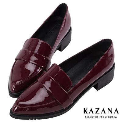 KAZANA-漆皮尖頭粗跟樂福鞋 酒紅