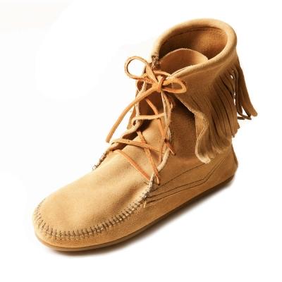 MINNETONKA-TRAMPER ANKLE經典綁帶流蘇短靴-沙褐色