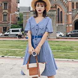 前後V領復古格紋短袖洋裝 (藍色)-Kugi Girl