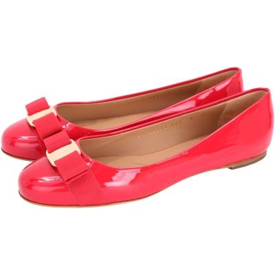 Salvatore Ferragamo VARINA 漆皮娃娃鞋(櫻桃紅)