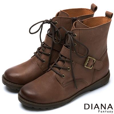 DIANA-軍靴風格-仿舊雙色復古豪邁真皮短靴-拿