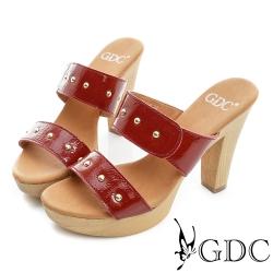 GDC-簡約設計雙帶鉚釘真皮楔型厚底涼拖鞋-紅色