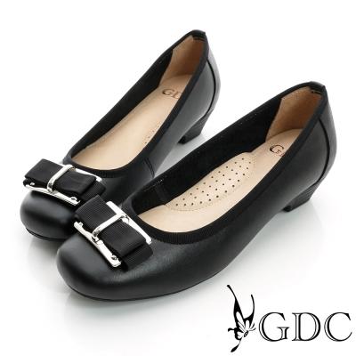 GDC都會-金屬飾扣方頭真皮低跟鞋-黑色