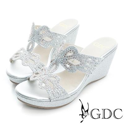 GDC-閃亮迷人蝴蝶水鑽真皮楔型厚底涼拖鞋-銀色