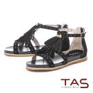 TAS鉚釘流蘇繫帶內增高後包涼鞋-經典黑