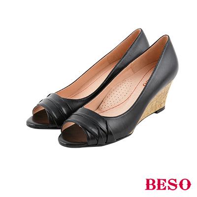 BESO 優雅簡約 經典魚口全真皮舒壓楔型鞋~黑