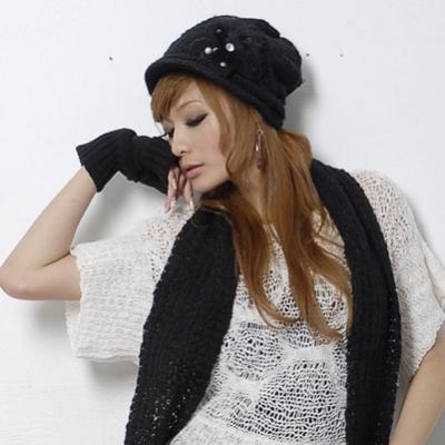 Aimee Toff 韓版珍珠羽毛針織毛線帽+圍巾組(黑)