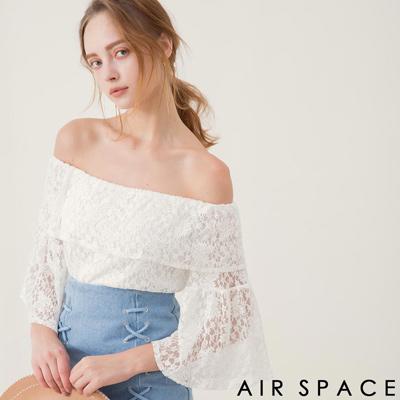 AIR SPACE 蕾絲荷葉領寬袖一字領上衣(白)