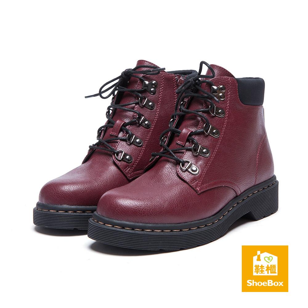鞋櫃ShoeBox 短靴-D字釦環綁帶平底短靴-酒紅