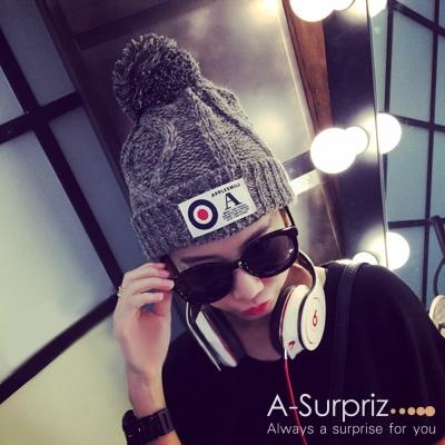A-Surpriz OA字母徽章混色編織毛線帽(黑灰)
