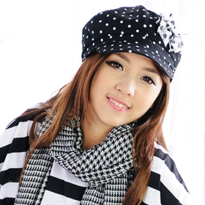 Aimee Toff 水玉小帽沿晶亮蝴蝶時尚帽(黑)