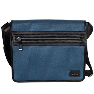 Calvin Klein藍色尼龍布翻蓋斜背電腦包