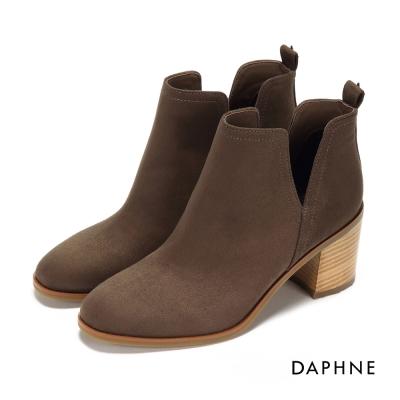 達芙妮DAPHNE 踝靴-側V剪裁粗跟絨布踝靴-駝