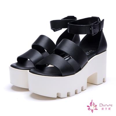達芙妮DAPHNE-韓風直送寬版雙帶鋸齒厚底涼鞋-經典黑8H