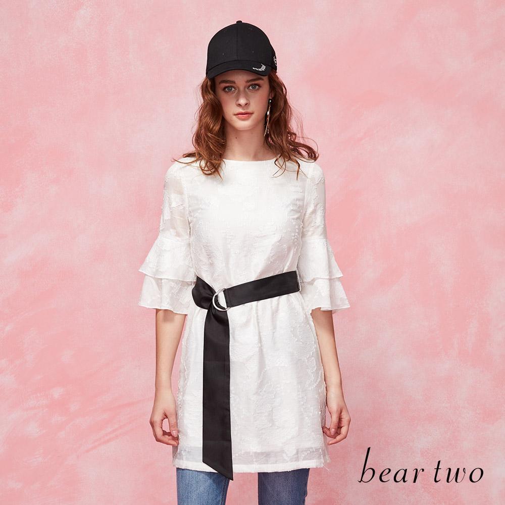 beartwo 雕花蕾絲長版綁帶洋裝(二色)