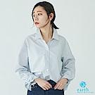earth music 蝴蝶綁結袖口設計細直紋襯衫
