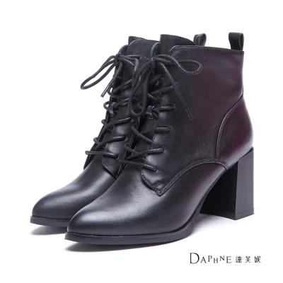 達芙妮DAPHNE-短靴-真皮綁帶粗高跟短靴-黑8H