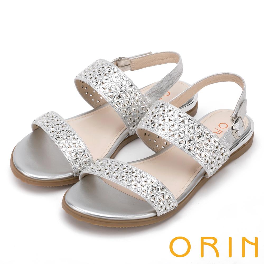 ORIN 閃耀時尚 三角簍空水鑽造型平底涼鞋-銀白