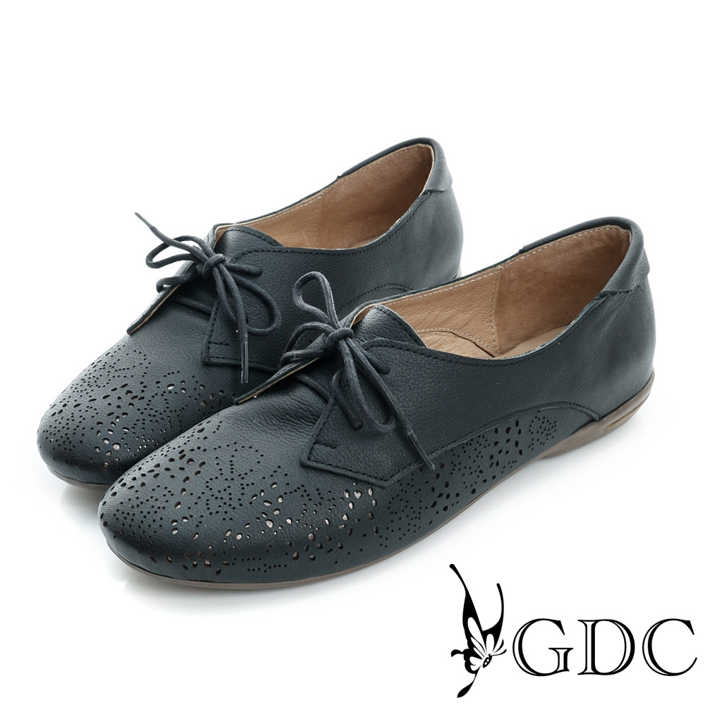 GDC-真皮繫帶雕花沖孔低跟休閒鞋-黑色