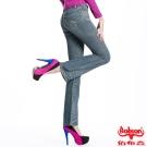 【BOBSON】女款磨力美人亮鑽小喇叭牛仔褲(復古藍77)
