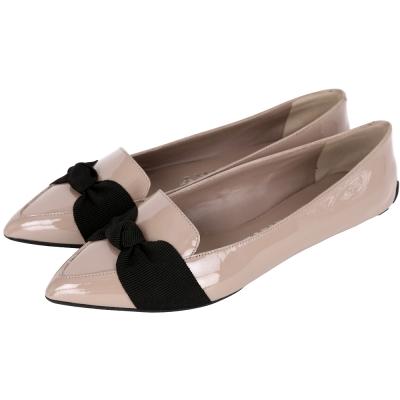 BURBERRY LONDON系列 羅緞設計漆皮尖頭樂福鞋(奶茶色)
