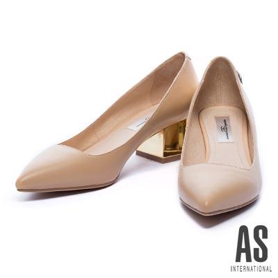 粗跟鞋-AS-獨特星形鉚釘羊皮尖頭粗跟鞋-米