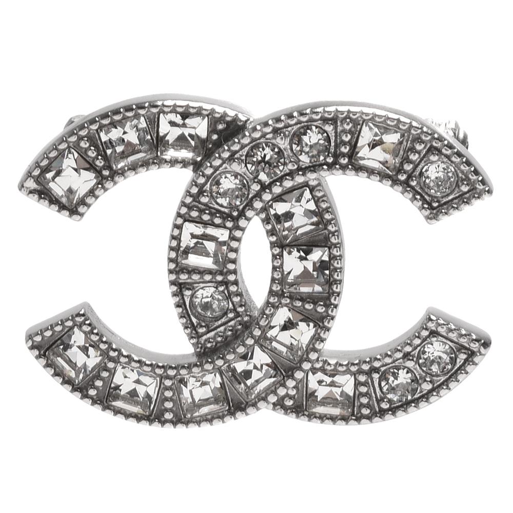 CHANEL 經典雙C LOGO方/圓鑽交錯鑲嵌造型胸針(銀)