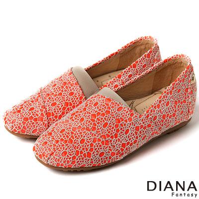 DIANA 超厚切香水粉撲款--法式花朵蕾絲樂福鞋-橘