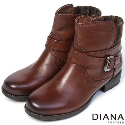 DIANA-俏麗個性-異材質美式風格真皮短靴-咖棕