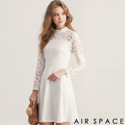 AIR SPACE 微高領露背傘襬蕾絲洋裝(白)