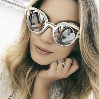 FENDI-時尚造型 太陽眼鏡(白色)