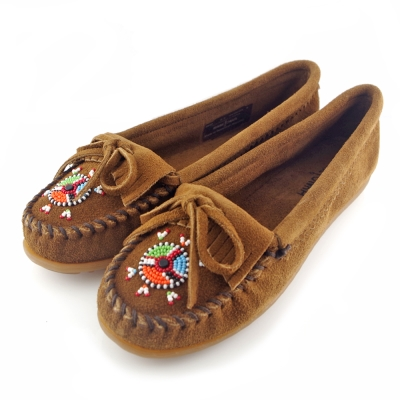 MINNETONKA 深棕色 麂皮愛心串珠平底莫卡辛女鞋