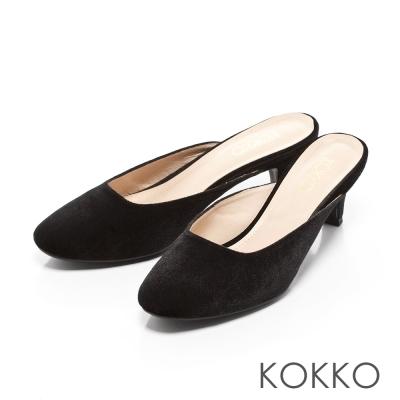 KOKKO-光感奪目天鵝絨小貓跟穆勒鞋-質感黑