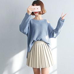 純色圓領露肩長袖針織毛衣 (共三色)-Kugi Girl