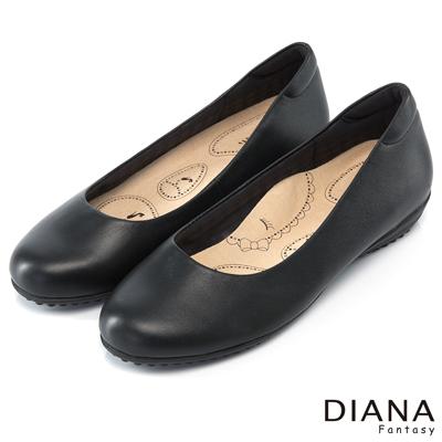 DIANA 漫步雲端布朗尼A款--輕彈舒適OL制鞋-黑